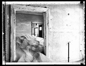 Abandoned: Namib Desert © Elaine Ling