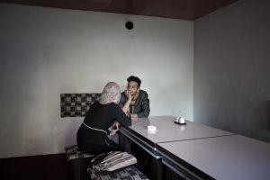 A date in a coffee shop | Kabul, Afghanistan 2013 © Sandra Calligaro