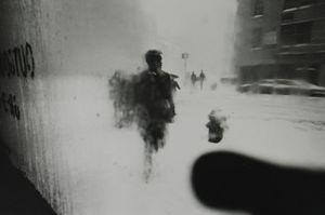 New York, circa 1950 © Saul Leiter / courtesy Howard Greenberg Gallery, New York