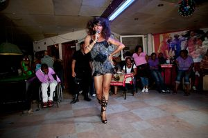 Chedino with Divas in Cabaret