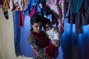 20/12/14 -- Sulaimaniyah, Iraq -- A family of displaced Iraqis from Salahadin at Babusi Hotel.