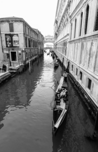 One Day in Venice: Entering the town