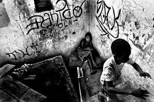 © Sebastian Liste, from the series Salvador de Bahia, Brazil.  Honorable Mention, LensCulture International Exposure Awards 2010