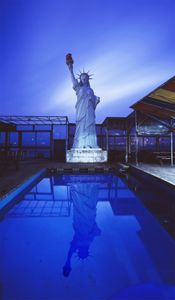 The Statue of Badotga Pension, 2005-2013, Chromogenic Print, 178x250cm