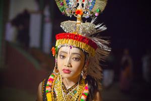 A Ras dancer prepares to dance the part of Krishna.