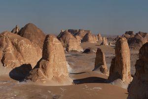 Al-Sahra al-Baydaʾ (The White Desert), 2011