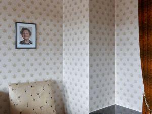Grandma (Livingroom)