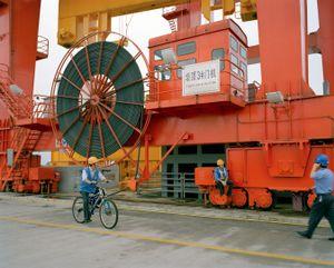 Men Working, TGDP, Yichang, China.