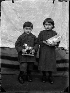 Children with toys, Bleniotal © Fondazione Archivio Fotografico Roberto Donetta, Corzoneso. Showing at the Tbilisi Photo Festival 2017.
