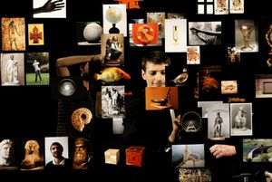 Théâtre de poche, 2007, with Stéphane Corréas, HD video with sound, ca. 12 min. Courtesy der Künstler.