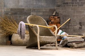 Wicker Chair with Mop