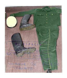 Dejo su unifome en el piso y se suicidaLeave your uniform on the floor and commits suicide