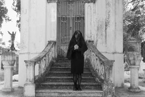 Mujer enlutada (Woman in mourning)