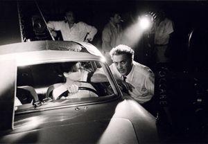 Federico Fellini avec Claudia Cardinale, lors du tournage de son film Huit et demi, 1962 © Paolo Costa , Obsis