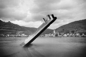 Untitled #5 (Rhine River, Rhineland-Palatinate) © Hans Gindlesberger