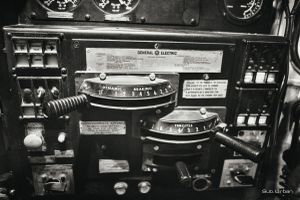 controls © Christos Tolis