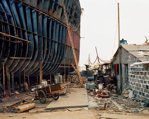 Shipyard #21, Qili Port, Zhejiang Province, 2005 © Edward Burtynsky