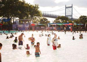Astoria Pool, New York, 2017