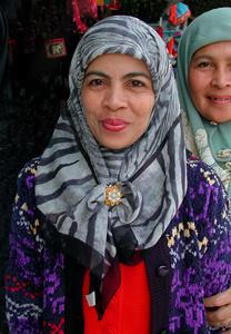 MUSLIM SISTERS IN THAILAND