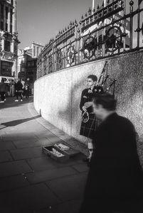 Edinburgh Bagpiper © Jürgen Novotny