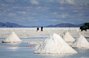 Salt Serfs - Salar de Uyuni (Bolivia)