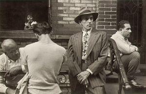 New York, circa 1945, © Helen Levitt. Courtesy Laurence Miller Gallery and/or powerHouse Books.