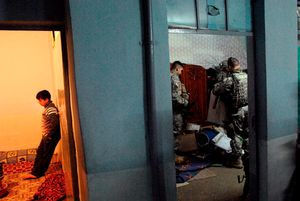 2nd prize General News Stories, © Peter van Agtmael, USA, Polaris Images, Night raids, Iraq, January-March