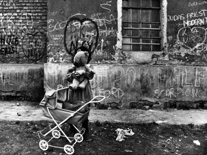 Budapest, 1990 © Gyorgy Stalter