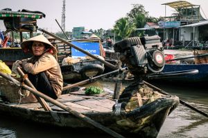 OLD LADY ON THE MEKONG