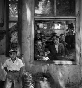 Café de Kartal, 1956. © Ara Güler / Magnum Photos.
