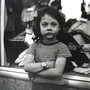 New York, NY © Vivian Maier/John Maloof Collection. Courtesy Howard Greenberg Gallery, New York
