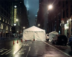 Temporary Discomfort III, World Economic Forum,  Zone B Sector 16/8, NYC 2002, C-print 80/100cm Ed.7 © Jules Spinatsch