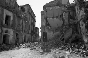 Salerno in spring 1981 after the earthquake IX