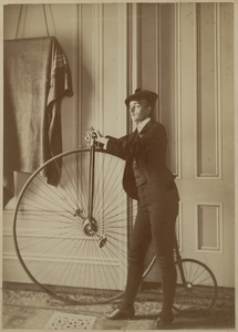 Frances Benjamin Johnston (1864-1952). Self-portrait as a transvestite velocipedist, 1890-1900. © Library of Congress, Prints & Photographs Division
