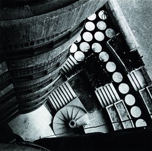 Edificio de viviendas Torres Blancas, Madrid, 1968 © Paco Gomez, courtesy of Museo ICO and PHoto Espana