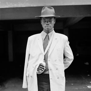 Man with an injured arm, Hillbrow. June 1972 © David Goldblatt