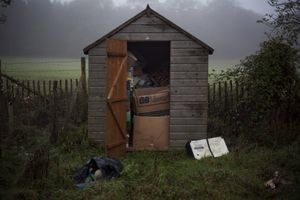 Jake's Play Hut, 2009. © Léonie Hampton.