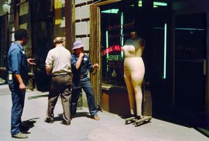 New York, circa 1971 - early 1990s, © Helen Levitt. Courtesy Laurence Miller Gallery and/or powerHouse Books.