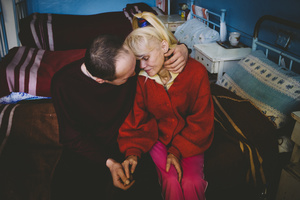 Andrey, 1974, and Inna, 1969. Diagnosis: MDR TB. Yenakiieve TB hospital, Donbass, December 2010.