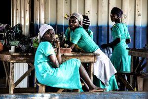 Las costureras y los niños de Tamale I