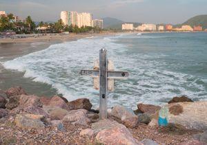 Manuel Zamora's cross. El Palmar beach. Ixtapa.