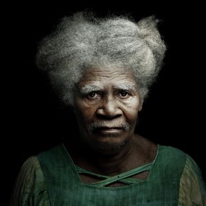 Agathe Nonmeu, tribe Nakety, 2012 © Denis Oak, Galerie Hélène Bailly
