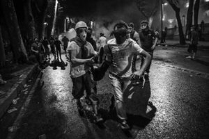 "Tensions soon spread to nearby districts in the city. The clashes between protesters and police continued unabated for the first 48 hours. From the series ""Witnessing Gezi"" © Emin Ozmen"
