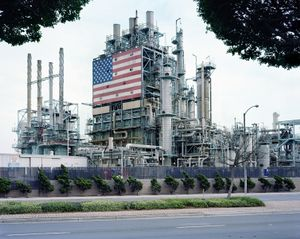 BP Carson Refinery, California 2007 © Black River Productions, Ltd. / Mitch Epstein.Courtesy of Sikkema Jenkins  Co., New York.Used with permission. All rights reserved.
