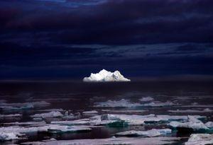 Iceberg in the Midnight Summer - © Adel Korkor
