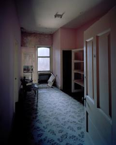 Room 525