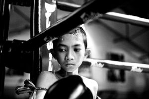 Boy in a boxing ring. © Sandra Hoyn