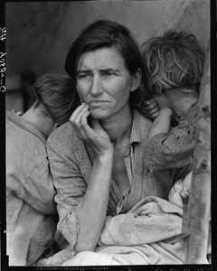 Destitute pea pickers in California. Mother of seven children. Age thirty-two. Nipomo, California, 1936