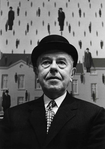 René Magritte at the Museum of Modern Art, 1965. Gelatin Silver Print © Steve Schapiro. Exhibitor: CAMERA WORK