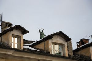 Jesus on the roof